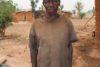 Bala Joseph a perdu toute sa famille dans une attaque des islamistes peuls. Malgré sa grande tristesse, il remercie CSI pour la nourriture. (csi)