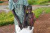 Yar Akol Akon est reconnaissante ; ici avec l'un de ses deux enfants. (csi)